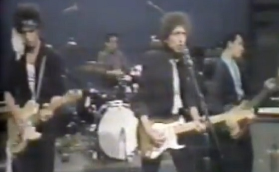 Dylan & The Plugz: Start Me Talkin'